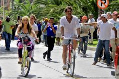 Cubano demanda a Shakira y Carlos Vives por supuesto plagio de 'La bicicleta'