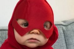 """Bebé dice como primera palabra """"Batman"""". ¡Mira la reacción del papá!"""