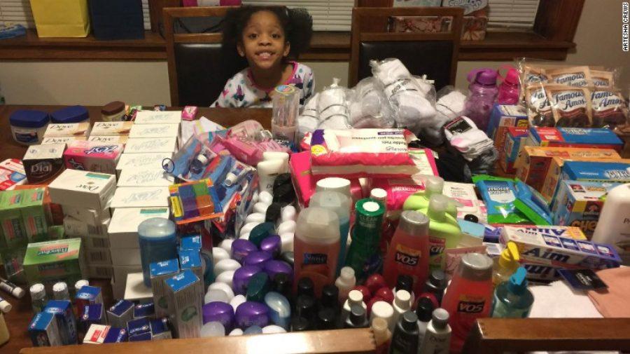 Niña de 6 años renuncia a su fiesta de cumpleaños para alimentar a las personas sin hogar
