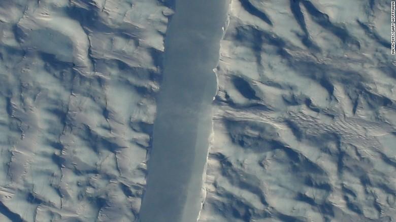 NuevagrietaenunodelosglaciaresmasgrandesdeGroenlandiatienepreocupadosaloscientificosCNNEspanolcom