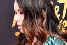Esta actriz trató de copiar un icónico vestido de JLo, ¿lo logró?