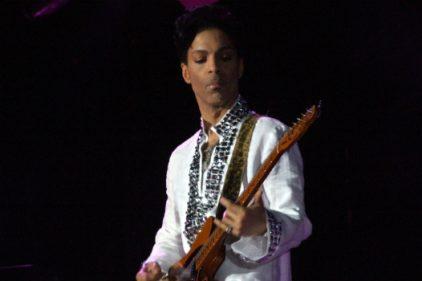 Prince, la superestrella del pop muere a sus 57 años