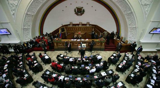 Reabren Asamblea Nacional de Venezuela tras amenaza de bomba