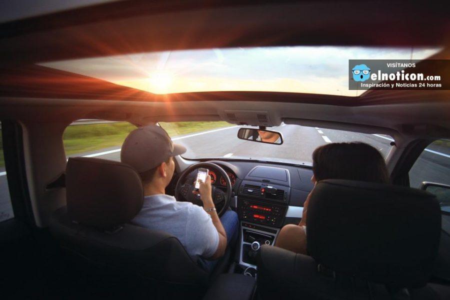 Por qué jamás debes enviar mensajes de tu celular mientras conduces
