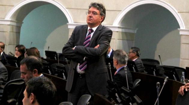 Senado negó moción de censura contra el Ministro de Hacienda Mauricio Cárdenas