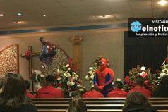 Policía fue al funeral de un niño vestido como Spider Man