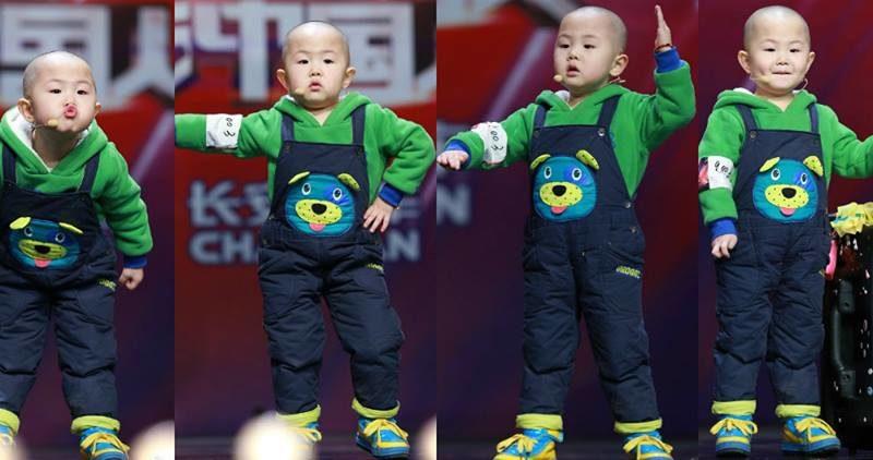 Zhang Junhao, un nino chino de tres años demuestra todas sus habilidades en el baile