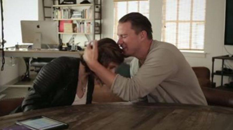 Joven con autismo entrevista a Channing Tatum