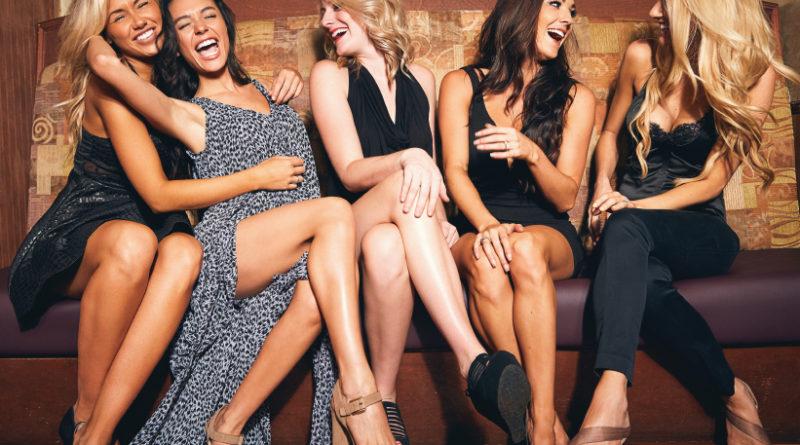 "3 tips para convertir tu look de oficina a ""happy hour"""