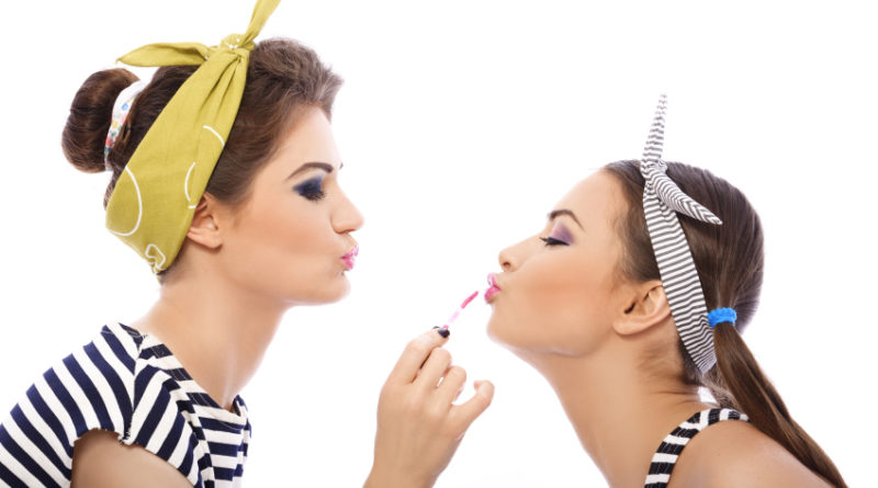 ¿No sabes qué color de lápiz labial usar? ¡Con estos tips elije el perfecto para ti!