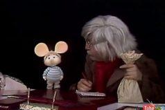¿Recuerdas el día que Topo Gigio se conoce con el Dr. Chapatín? ¡HERMOSO!