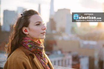 Este dispositivo traduce los idiomas en tiempo real ¡Lo máximo!