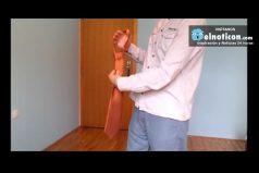 How To Tie A Tie In Ten Seconds