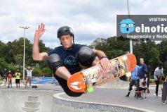 ¿Creciste viendo a Tony Hawk? La leyenda del skateboard a sus 48 años hace este increíble salto