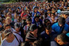 Así cruzaron miles de venezolanos a Colombia para abastecerse