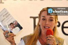 """""""Leopoldo, nuestro amor es más grande que esta injusticia. Te amo"""" Lilian Tintori"""