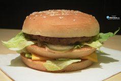 Esto pasa si le echamos ácido a una hamburguesa Big Mac de McDonald's ¡NO LO HAGAS EN CASA!