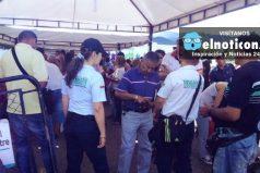 Cinco familias venezolanas llegan diariamente a Colombia a buscar albergue y comida