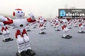 Mil robots bailan en China y rompen récord Guinness