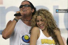 Carlos Vives es sorprendido por varios amigos ¡Divina la torta que le envió Shakira!