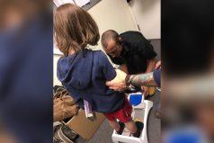 Su hijo con autismo necesitaba zapatos. El vendedor tuvo la reacción más humana de todas