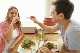 6 hábitos que debes evitar para no sufrir acidez estomacal o reflujo