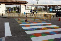 Conoce los 5 cruces peatonales más creativos de un pueblo madrileño ¡Te encantarán!