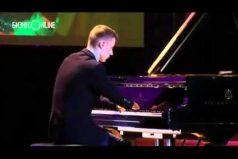 El increíble pianista que nació sin manos ¡Inspirador!