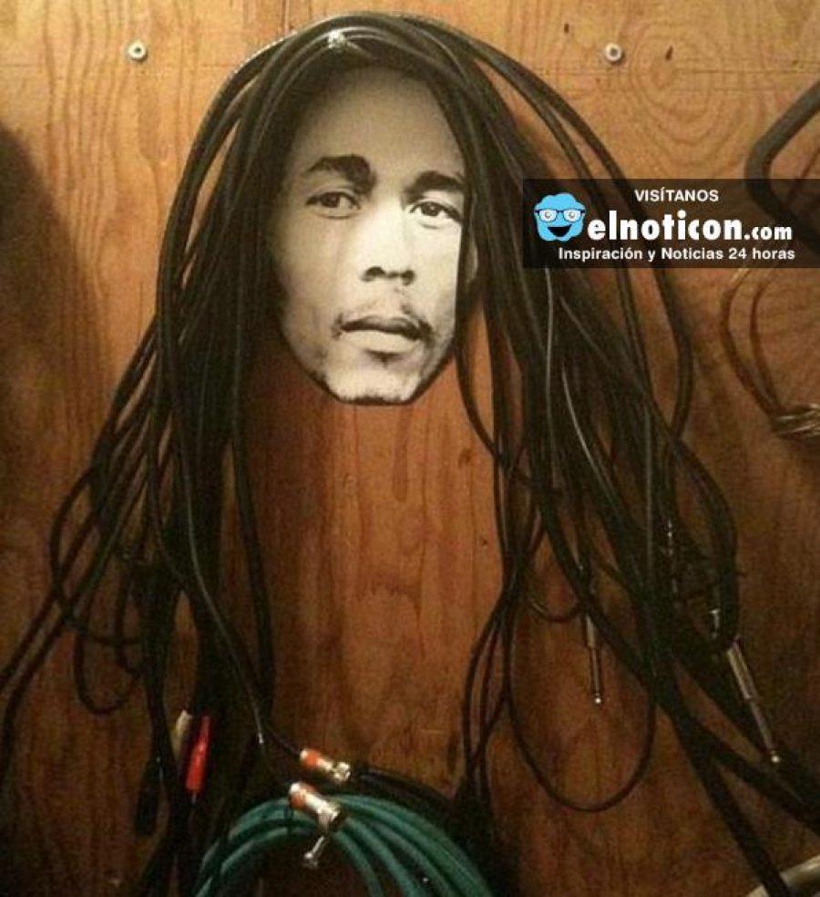 ¡Desenrédate! 10 formas creativas de organizar los cables de tu casa