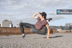 Sin duda este hombre es uno de los más flexibles del mundo