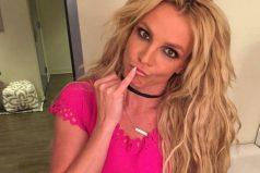 Britney Spears cantó al estilo de Taylor Swift