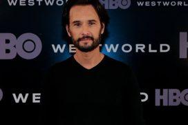 """Rodrigo Santoro: """"Trabajar con Anthony Hopkins, en Westworld, es intimidante"""""""