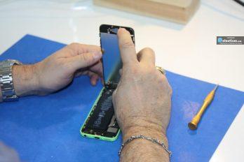 ¡Auxilio! 8 consejos que debes seguir si tu teléfono móvil cayó al agua