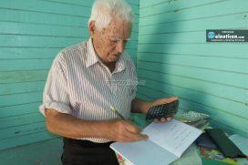 ¡Merece ser viral! Abuelito de 87 años se graduará de bachillerato