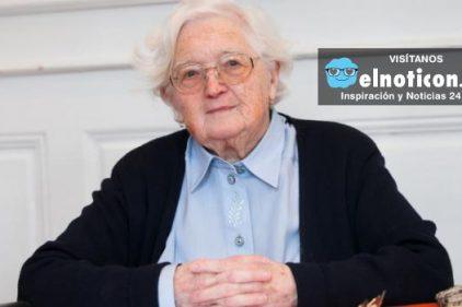 La mujer que entregó su tesis doctoral a los 91 años, ¡nunca es tarde para cumplir los sueños!
