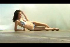 Cuando el mar arruina tu foto perfecta… ¡Ni te imaginas como quedó la modelo australiana Kaitlin Dodd en esta sesión!