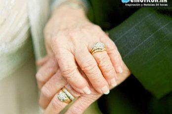 Abuelos celebran sus 63 años de amor de una forma muy particular ¡nos encanta!