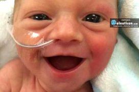 Conoce la historia detrás de la sonrisa de la bebé prematura que enamora en las redes sociales
