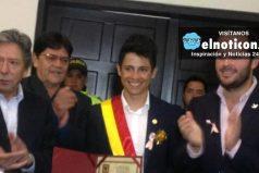 Esteban Chaves fue condecorado por su disciplina y talento en el Concejo de Bogotá