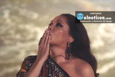 Famosa cantante dedica video musical a Juan Gabriel y ¡termina llorando!
