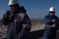 El 'Mannequin Challenge' de la construcción del puente más largo de Rusia. ¿A ese ritmo cuándo acabarán?