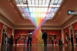 Este mexicano hizo un arcoíris uniendo pacientemente 1000 hilos de colores por una potente razón