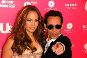 El beso de Jennifer López y Marc Anthony en los Grammy que le da la vuelta al mundo