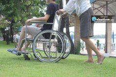 Los universitarios que crearon la primera silla de ruedas que se controla con la mirada