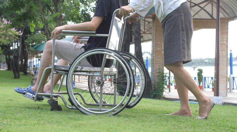 Los universitarios que crearon una silla de ruedas que se controla con la mirada