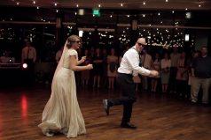 ¡Genial! El baile que toda novia querrá tener con su padre el día de la boda. ¡Muévelo, muévelo!