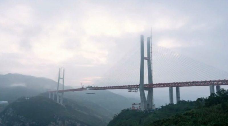 China-construye-el-puente-más-alto-del-mundo