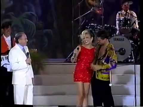 Luis-Miguel-BESA-a-Thalia-Acapulco-1993-HD