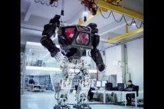 ¿Recuerdas los robots tripulados de 'Matrix' y 'Avatar'? Conoce a Method-1, la versión real que crearon en Corea del Sur. ¡Impresionante!