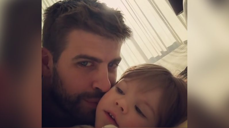 Gerard Piqué y su hijo Sasha
